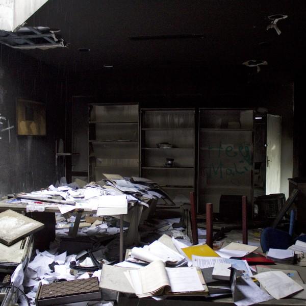 Trotz Brand kann man hier noch in den Akten stöbern.