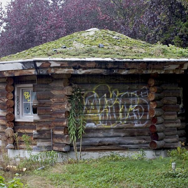 Das Gartenhaus ist noch gut erhalten.