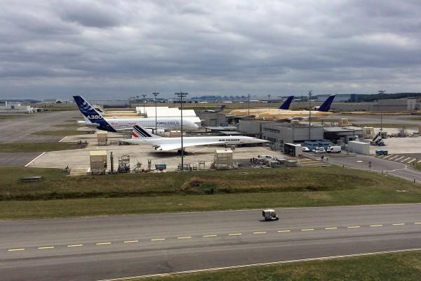 A380 neben Concorde