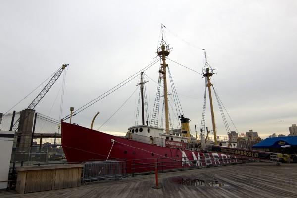 Feuerschiff Ambrose im Museumshafen New York