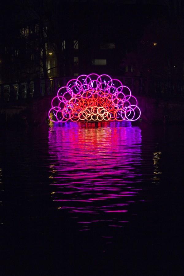 Lichtbogen unter Brücke